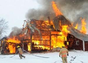 Fire destroys a barn