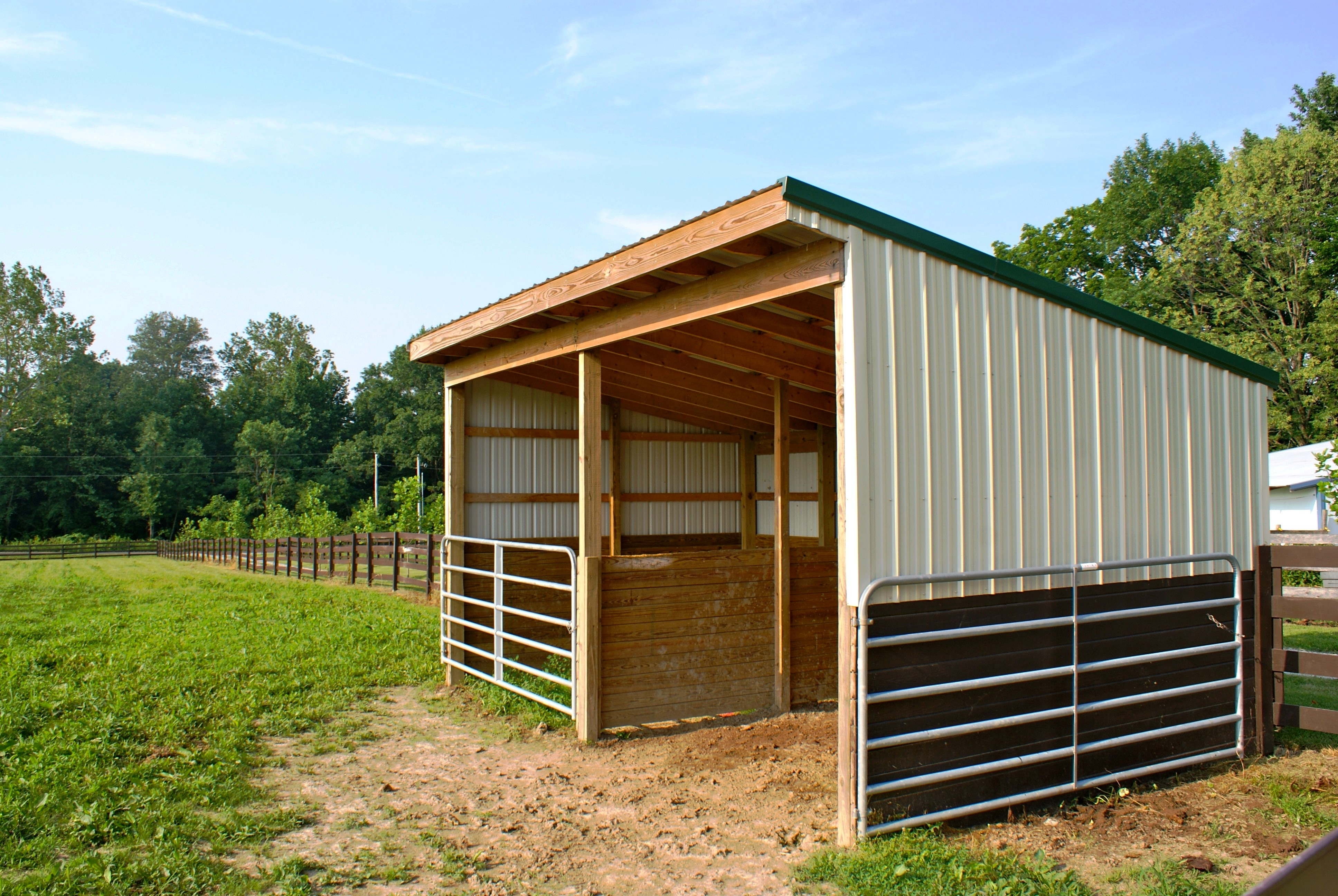 Sheds And Shelters : Horse shelters stalls vs run in sheds welcome to